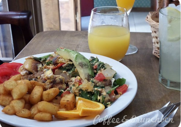 Brunch con bellini en Gracia–Avenue Bar-San Francisco
