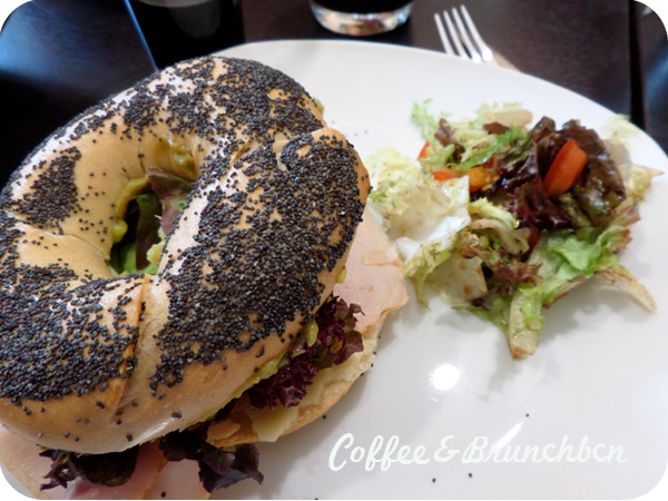 Cuando la carta del brunch no es de brunch…-Sano Cuina-Bagel jamon y queso
