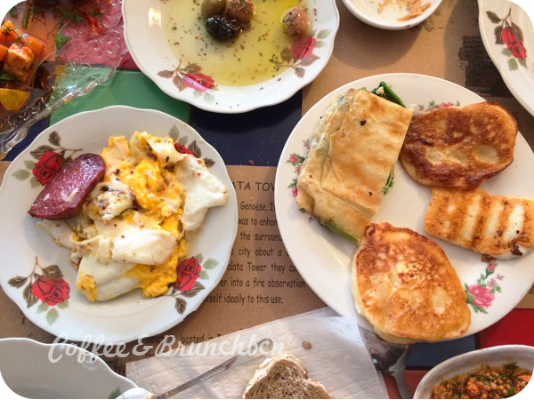 Brunch en Estambul–Cafe Privato-Platos calientes