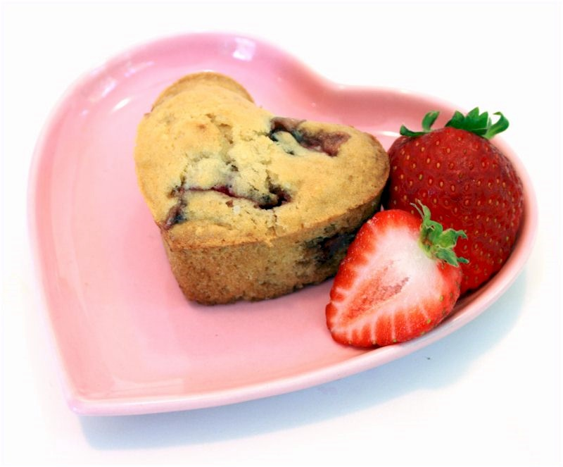 Muffin de fresa en forma de corazon
