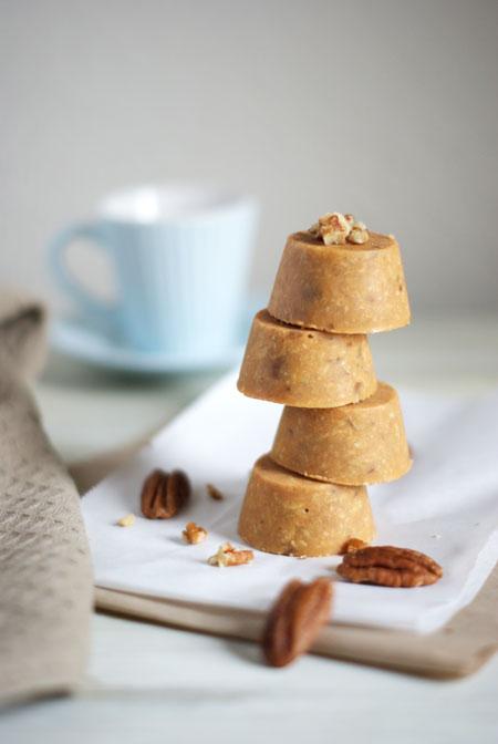 Galletas de avena sin horno-Recetas de brunch saludables-Torre de mini cupcakes