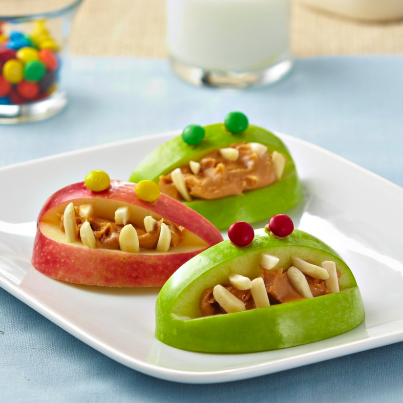 Recetas halloween brunch saludable-monstruos de manzana