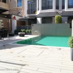 les-delicies-brunch-en-hotel-con-piscina-piscina
