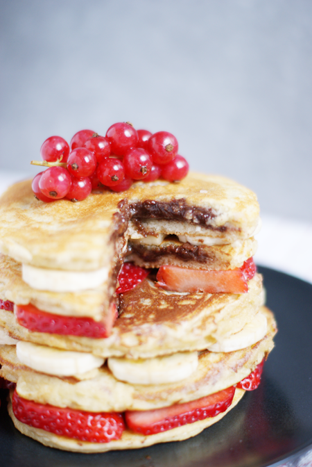 Pancakes saludables rellenos de nutella casera - Receta brunch saludable