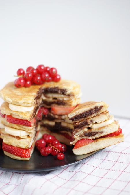 Tortitas saludables rellenas de nutella casera - Receta brunch saludable